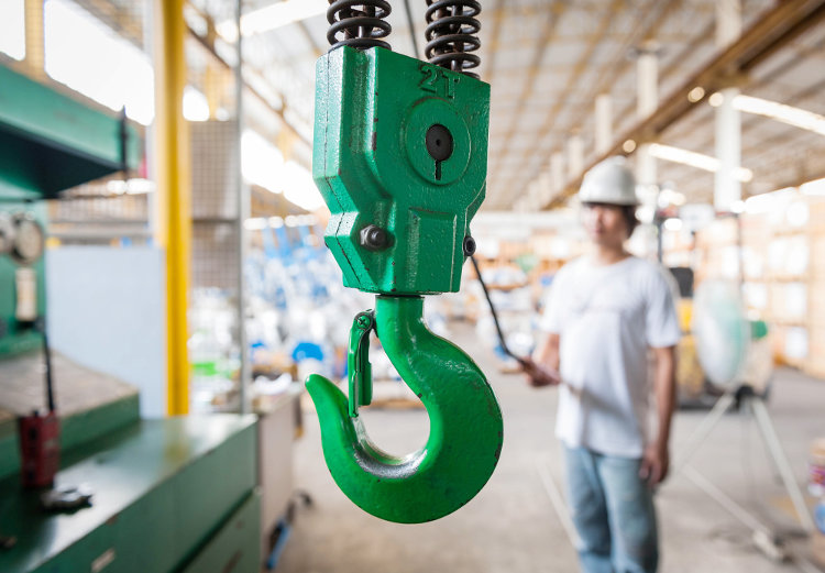 5 Safety Tips for Using Overhead Cranes