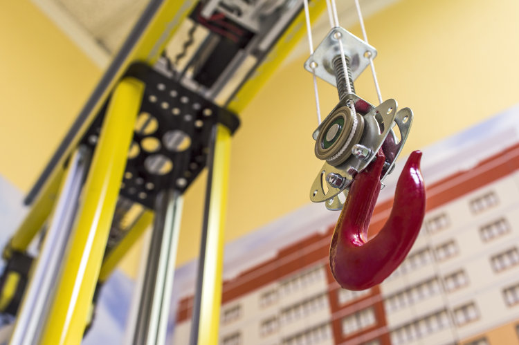 Choosing the Right Industrial Hoist for You