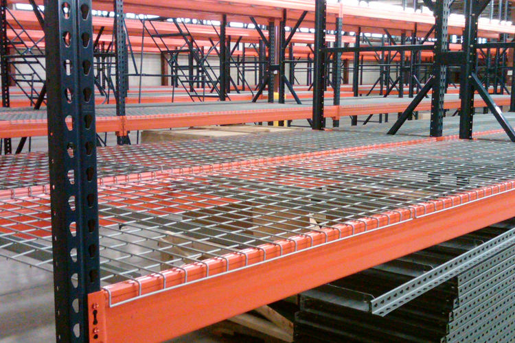 Why Wire Decking Should Be Part Of Your Pallet Racking Set Up