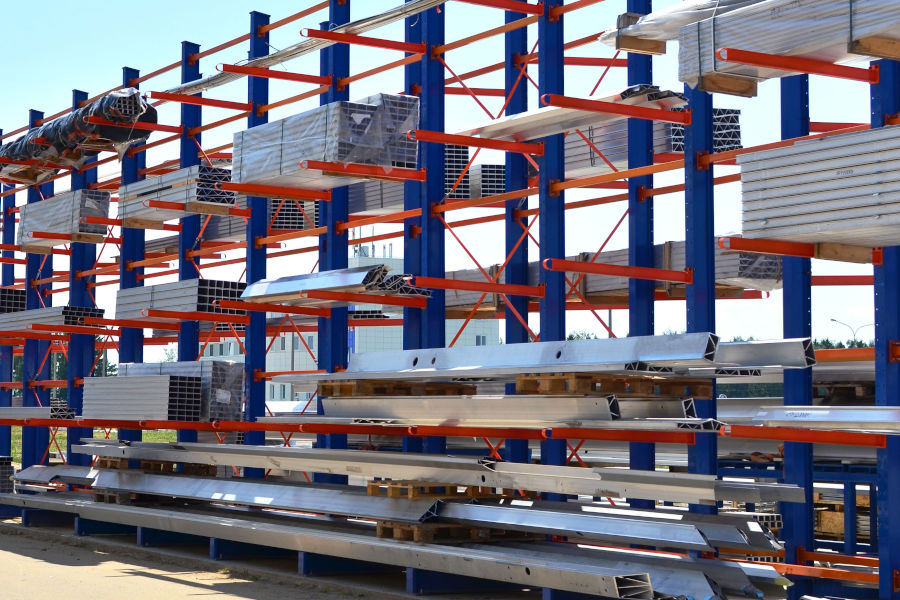 Key Components To Look For When Purchasing Cantilever Racking Systems