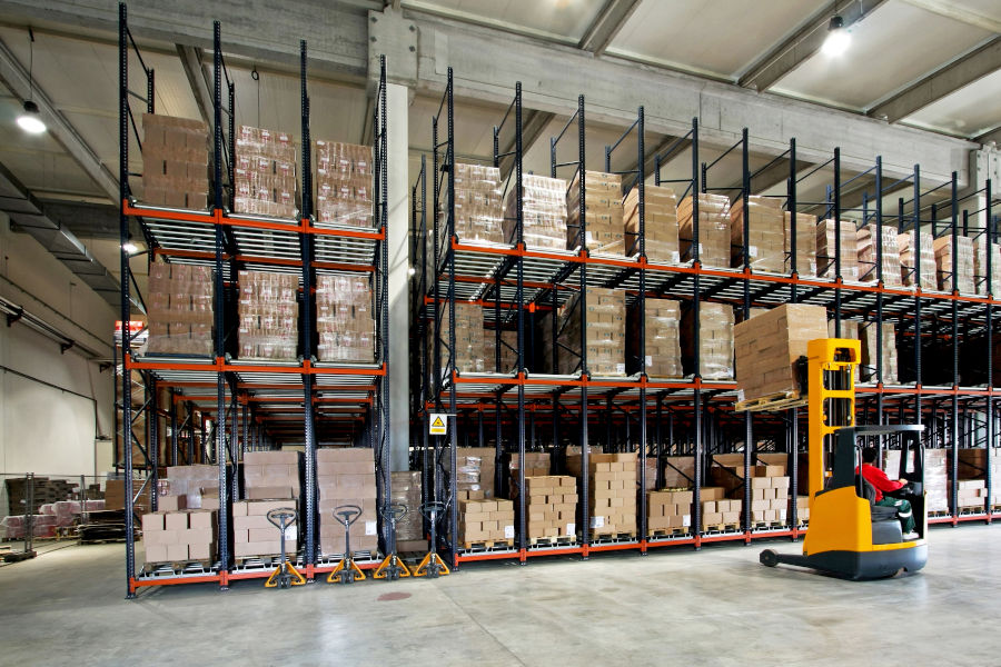 Different Types of Pallet Racking Systems: Drive-In & Drive-Thru Racking